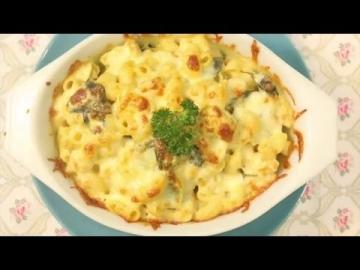 มักกะโรนีเขียวหวานอบชีส [Green Curry Macaroni Au Gratin] by Lobo